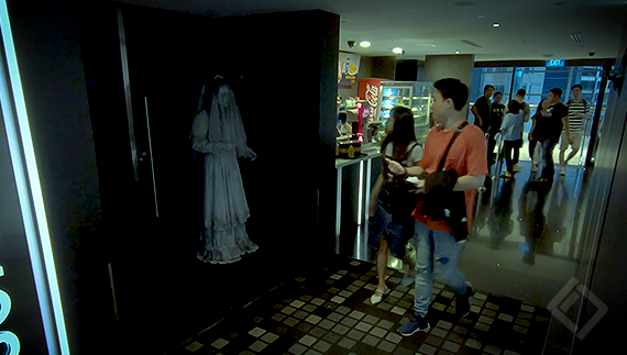 Warner Bros Singapore, Weeping Woman, Prank Video